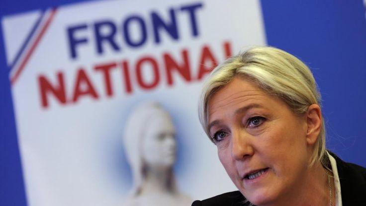 En France, l'heure des règlements de compte a peut-être sonné au Front national (FN). Le parti se réunit ce jeudi après-midi et vendredi en séminaire à Nanterre. Au menu des discussions : la défaite à la présidentielle et la refondation du parti. Ce séminaire constitue la première étape de la refondation du parti, annoncée par Marine Le Pen au soir de sa défaite au second tour de la présidentielle. Le but de cette réunion à huis clos : dresser ...