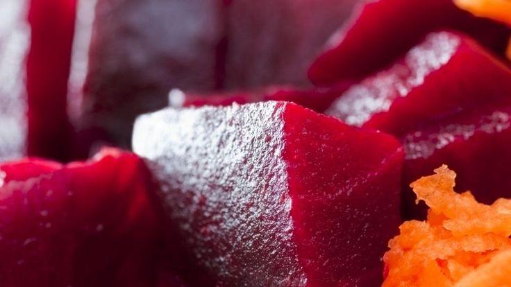Karamelliserede rødbeder med chili, honning og yoghurt | Mad