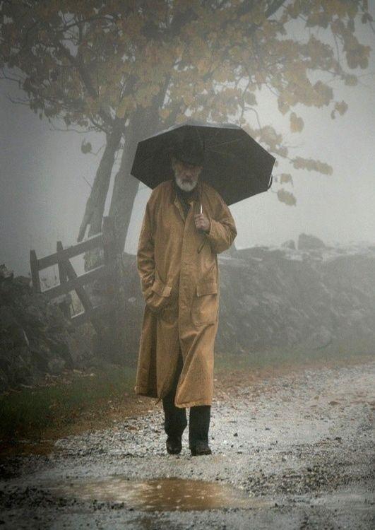 Marcher sous la pluie...
