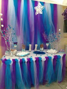 Très joli buffet sur le thème de la Reine des Neiges - Frozen Party (Kids Birthday)