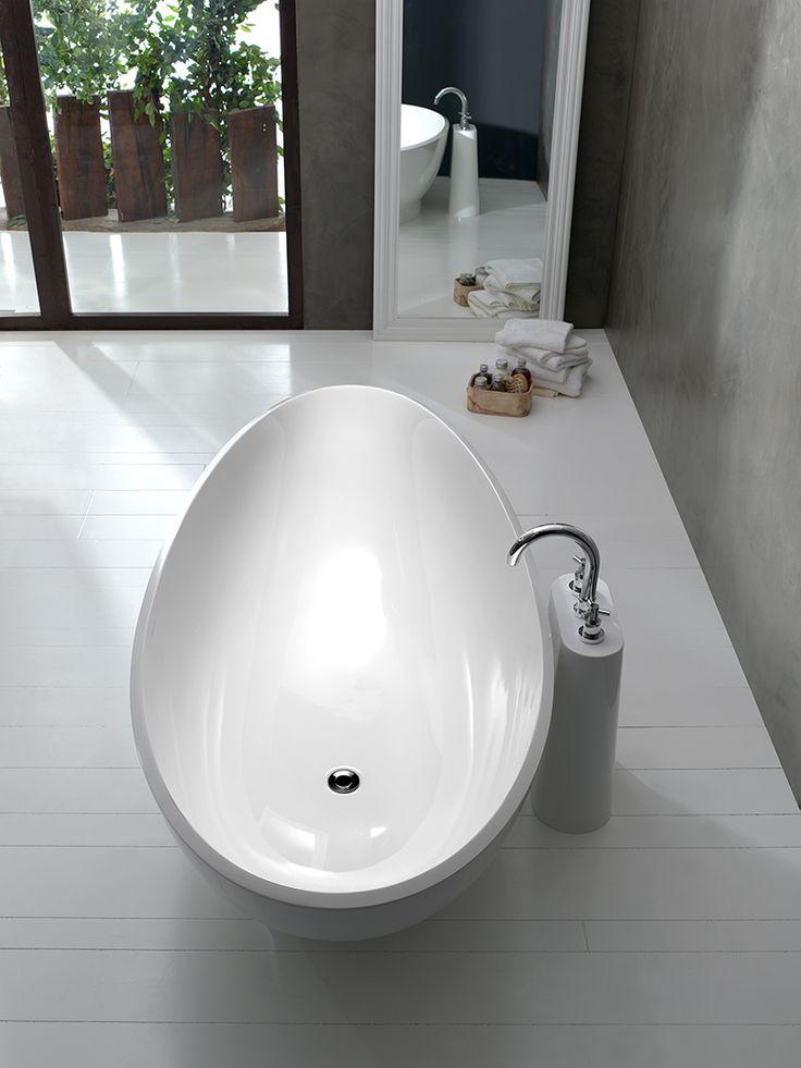 The Napoli Collection Lido bath by Victoria & Albert
