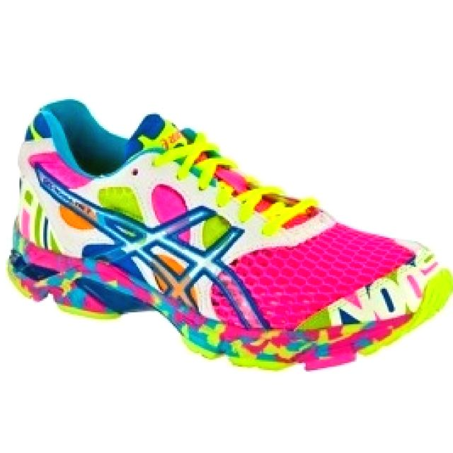 omg crazy asics volleyball shoes, i want these!!