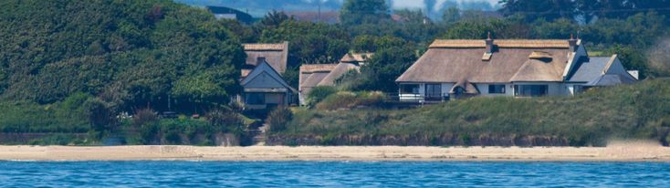 Six exclusive 300 year old thatched holiday cottages Ireland, nestle on the beach front, offering luxury accommodation for all the family.