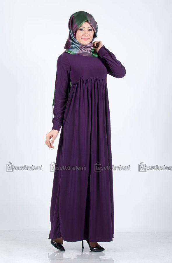 Robalı elbisenin en çok satan rengi mor. Mor renk her zaman favorilerden.
