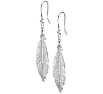 Trends oorbellen hangend lang  €20,95  zilveren veer oorbellen met een haak  #oorbellen #sieraden #juwelierdebokxwijffels
