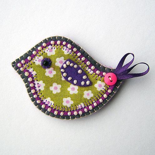 Handmade bird brooch | Fabric Crafts | Popular Crafts | Craft Juice