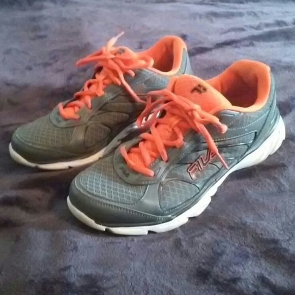 Fila running sneakers Fila running shoes, great condition! Only worn for jogging and gym. Fila Shoes Sneakers