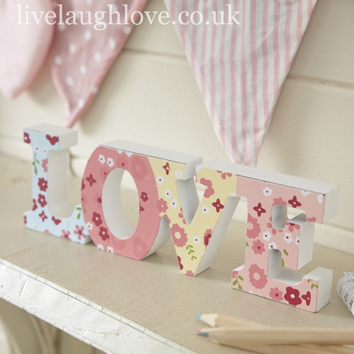 Ditsy Wooden Love- Free Standing