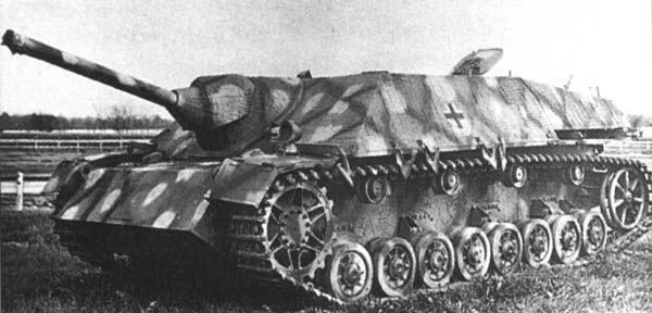 Vomag Jagdpanzer IV con 75 mm L48 arma se empleó primero con la división Hermann Goering Fallschirm en Italia en la primavera de 1944