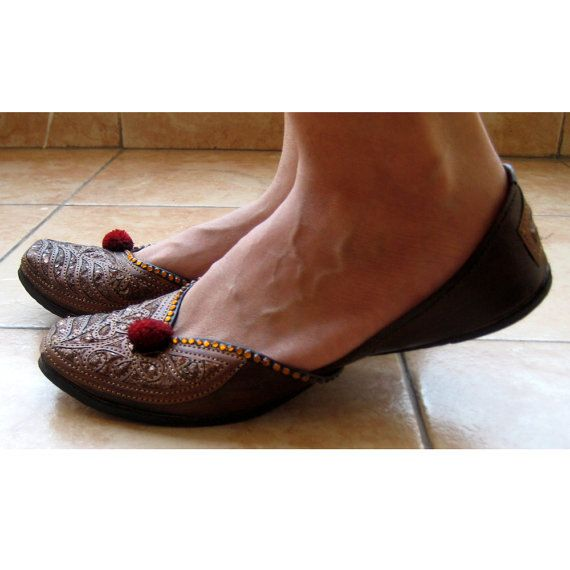 This listing is for Copper Ballet Flats /Handmade Indian Designer Women Shoes or Slippers/Sequins Shoes/Maharaja Style Women Jooties   An enticing pair of