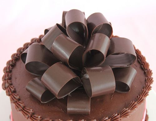 The Gift of Cake: Creating a Chocolate Bow | Sweet Dreams Cake App – IPhone, IPad, IPod Cake Decorating App