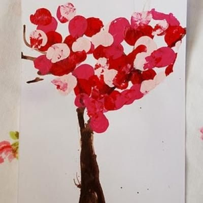 Kids Diy Heart Tree Card. Valentines Days Ideas #Valentines, #pinsland, https://apps.facebook.com/yangutu