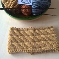 earwarmer in alpaca, merino wool and acrylic mix. www.facebook.com/lochielknits
