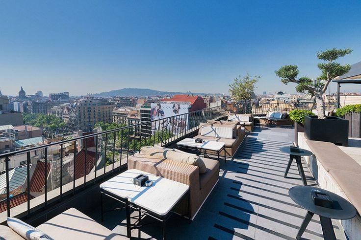 Villeroy & Boch equipa los baños de las habitaciones del Hotel Majestic, un lujoso hotel de 5 estrellas situado en el Paseo de Gracia, desde 1918 #Hotel #HotelMajestic #lujo #Barcelona #PaseodeGracia #Baño #wellness #terraza