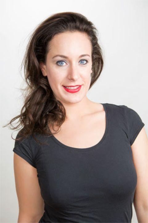 Farbtyp dunkel-kalt: Federike mit richtigem Make-up