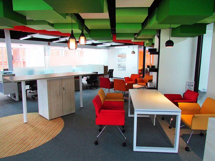 Nuevas oficinas de Alfagres en Bogotá - Mobiliario Equilátero Famoc Depanel