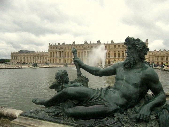 <3 Versailles