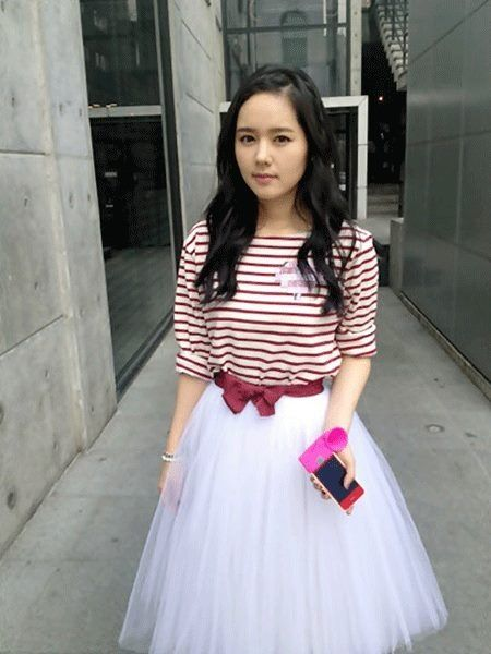 Han Ga In looks like a human doll