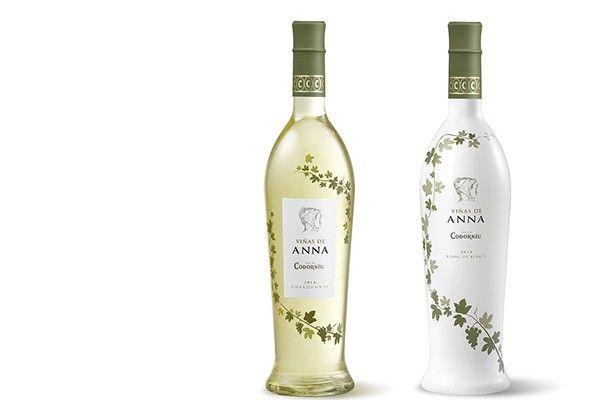 El primer vino de Codorníu VIÑAS DE ANNA Codorníu lanza al mercado su primer vino de la historia, Viñas de Anna (D.O. Catalunya), un blanco de gama Premium. http://airclasse.com/el-primer-vino-de-codorniu