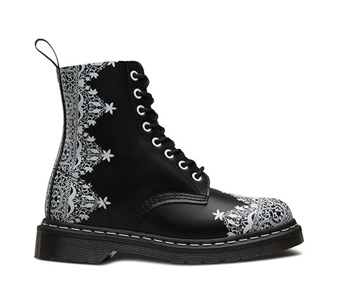 New for this season, gothic-inspired prints designed by Dr. Martens in-house team, based on traditional geometric lace, work has been applied to the…
