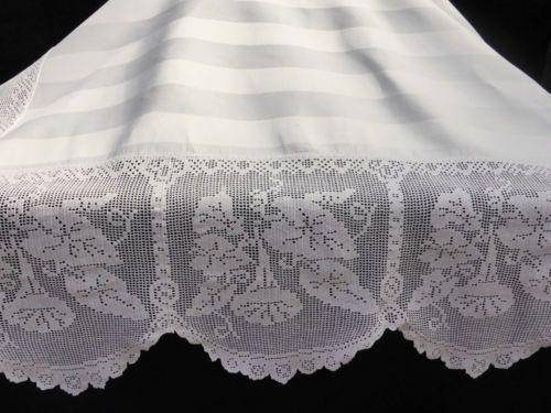 Antique Linen Damask Tablecloth ~ Stunning Deep Hand Crochet Convolvulus Plant