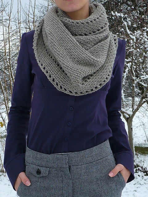 calm cowl, free #crochet pattern — wow, so simple but it's making me want to get out my hooks again! Xmas gifts here I come?