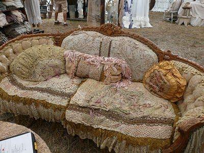 Magnolia Pearl sofa