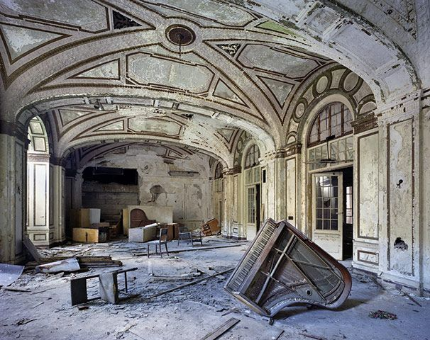 Detroit: Industrial Revolutions, Modern Ruins, Urban Decay, Abandoned Building, The Piano, Plaza Hotels, Urbandecay, Photo, Abandoned Places