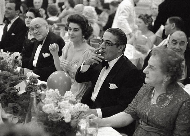 The Greek Shipowner Aristotle Onassis Smoke A Cigar To The Waiter Aristotle Onassis Jackie Onassis Jacqueline Kennedy Onassis