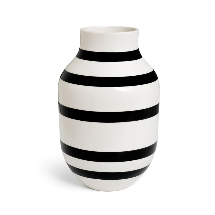 Omaggio Vase Schwarz Gross - Ditte Reckweg and Jelena Schou - Kähler - RoyalDesign.de