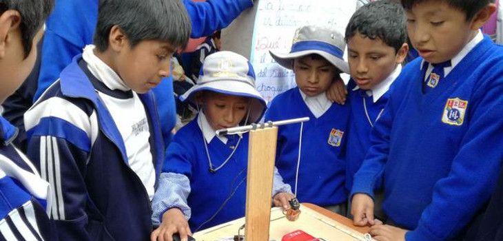 Niño de nueve años construye un detector de sismos en Perú a raíz de últimos terremotos - BioBioChile