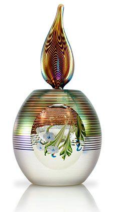 http://ueberschriftennews.blogspot.com/2012/03/der-duft-ist-was-uns-bezaubert.html  Okra Glass