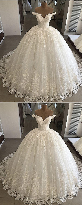 Vintage Pearl Beaded Lace V-neck Tulle Wedding Dresses Ball Gown Off Shoulder
