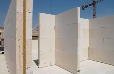 Yoeri den Houdijker: Dit zijn kalkzandsteenblokken zo zou de draagstructuur van onze huizen eruit kunnen gaan zien.