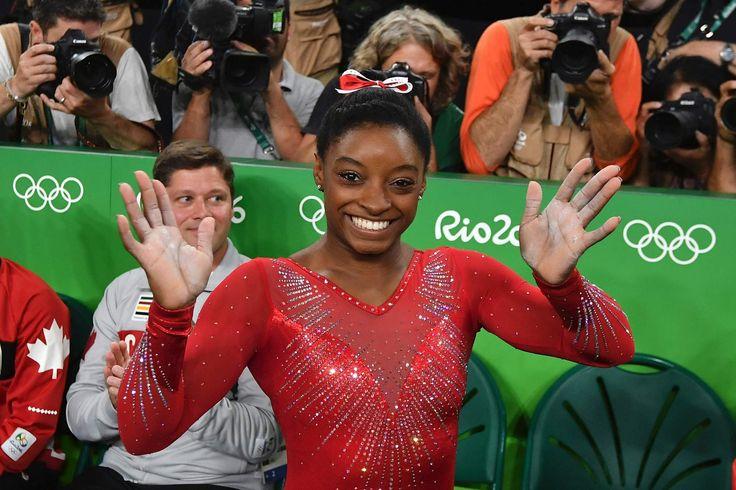 Simone Biles wins gold in floor exercise