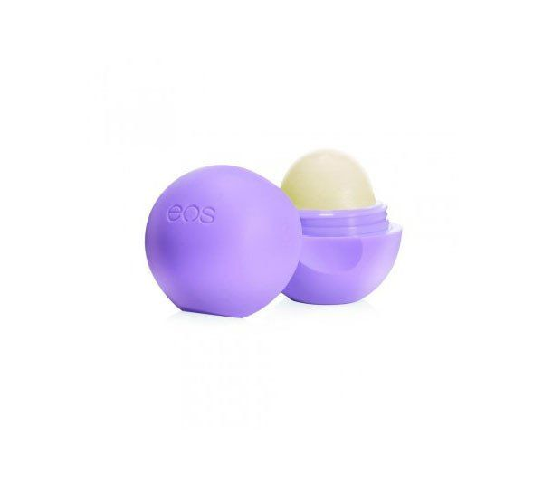 Give your lips a tropical delight with this sweetly flavored, all-natural, gluten-free lip balm that moisturizes and softens. eos Passion Fruit flavored lip balm is 95% organic, 100% natural, and para