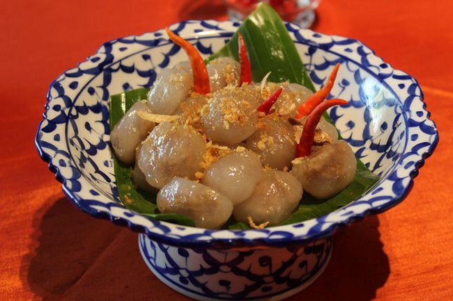 How to Make Thai Sakoo Sai Moo