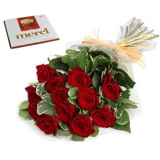 Un buchet de Trandafiri Rosii si o cutie de bomboane cu ciocolata fina...o vei lasa fara Cuvinte! Acceseaza pentru detalii: http://cityflowers.ro/buchete-de-flori/sweet-passion