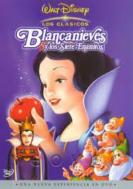 La malvada madrastra de Blancanieves decide deshacerse de ella porque no puede soportar que la belleza de la joven sea superior a la suya. Sin embargo, Blancanieves consigue salvarse y se refugia en la cabaña de los siete enanitos