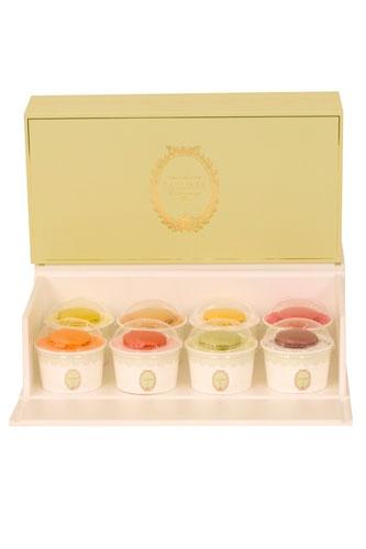 Laduree ice cream: Macarons Laduree, Ladure Ice, Ice Cream Y, Ice Macarons Packaging, Laduree Ice, Cute Ideas, Sweets Tooth, Icecream, Ice Creamy