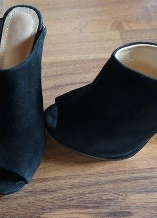 Kaufe meinen Artikel bei #Kleiderkreisel http://www.kleiderkreisel.de/damenschuhe/hohe-schuhe/126272370-hm-absatzschuhe-echtes-veloursleder-premium-qualitat-sandaletten