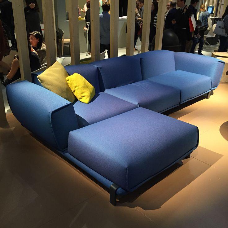 Bold sofa by patricia urquiola for moroso patricia for Canape urquiola