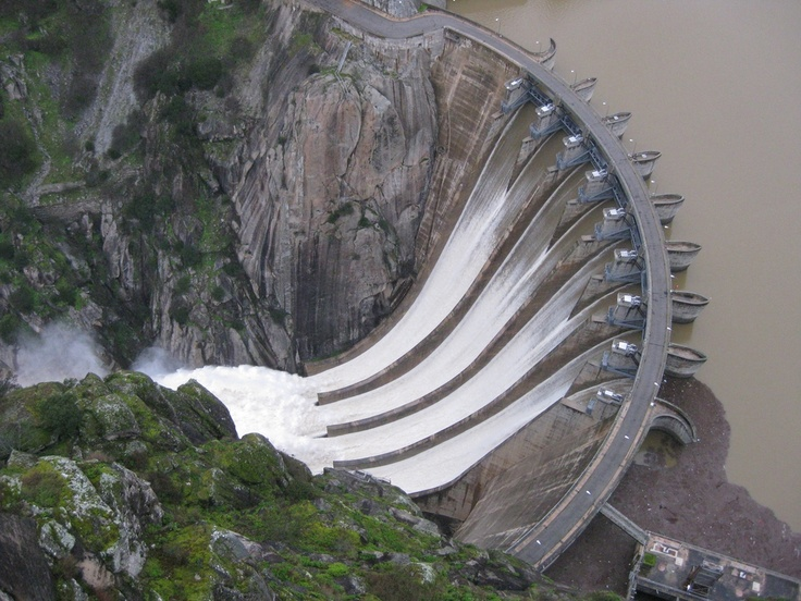Presa de Aldeadavila - Aldeadavila dam - 140 m. (460 ft.) - Spain - Several scenes of Doctor Zhivago were filmed here - More info: http://en.wikipedia.org/wiki/Aldead%C3%A1vila_Dam