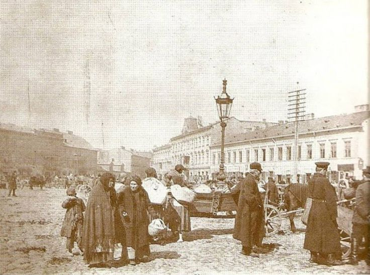 Plac Grzybowski w stronę ulicy Granicznej-Królewskiej.