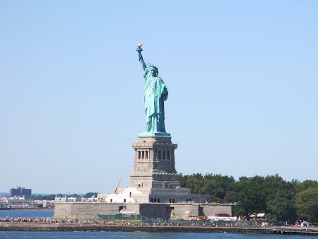 New York's worldwide known landmark. Find out more about New York: http://www.imperatortravel.com/2012/09/discover-new-york-outdoors-top-5-sights-of-the-big-apple.html