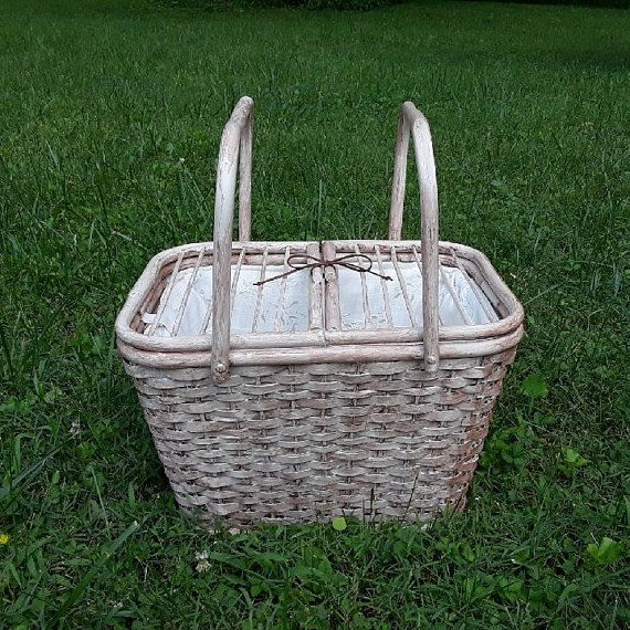 $135 Picnic basket dog carrier  like Dorothy used to carry Toto in the Wizard of Oz!