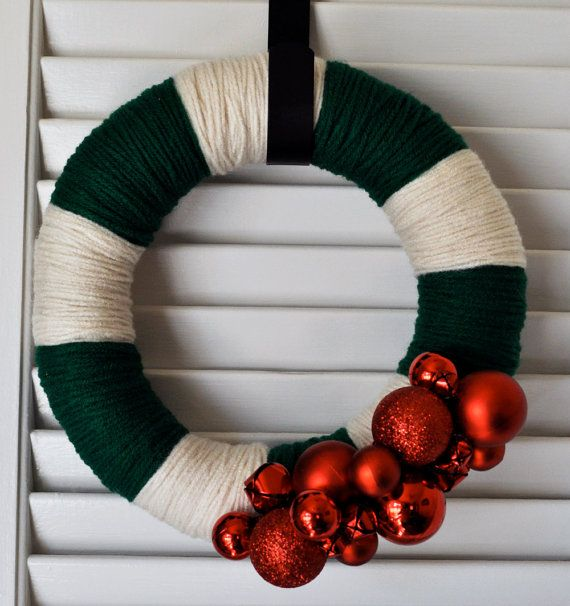 cute idea for a wreath: Christmas Wreaths, Holiday, Christmas Crafts, Christmas Yarn Wreath, Preppy Christmas, Wreath Idea, Christmas Decor, 10In Preppy, Yarn Wreaths