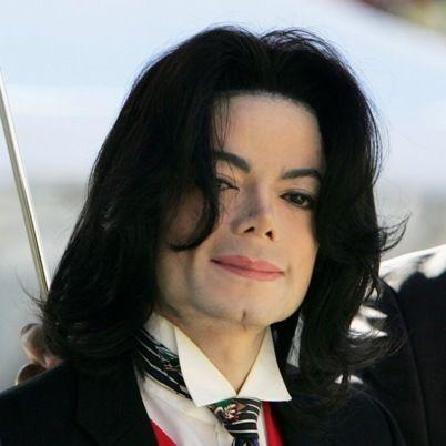 Museu inglês divulga vídeo inédito de Michael Jackson no dia de aniversário de sua morte - http://colunas.revistaepoca.globo.com/brunoastuto/2013/06/25/museu-ingles-divulga-video-inedito-de-michael-jackson-no-dia-de-aniversario-de-sua-morte/