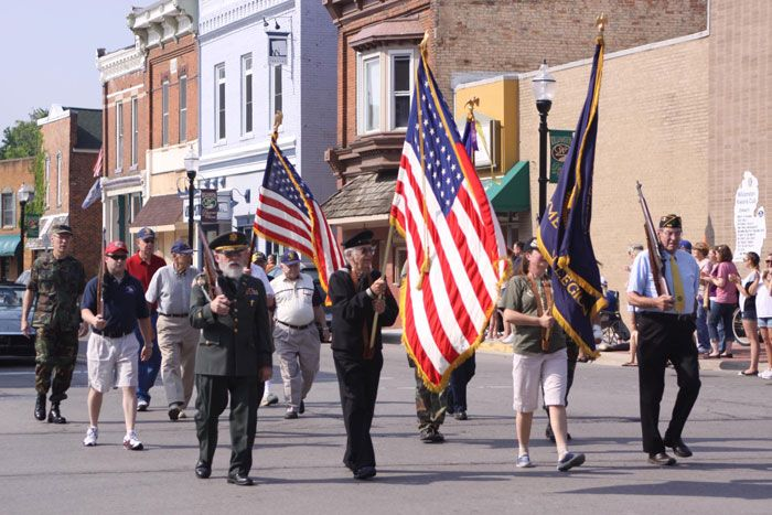 memorial day parades western suburbs chicago