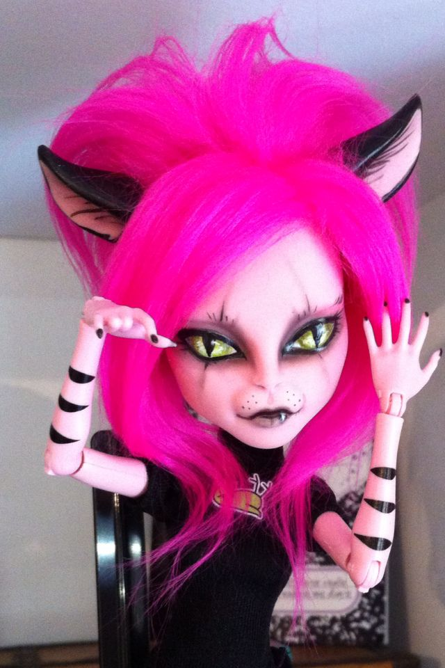 my ooak cheshire cat monster high repaint